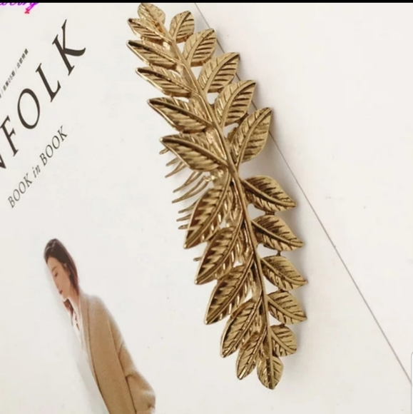 Accessories - *Renata* Gold Comb Hair Clip